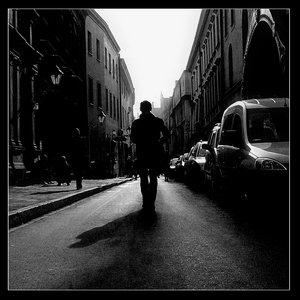 Walking_dawn_the_street